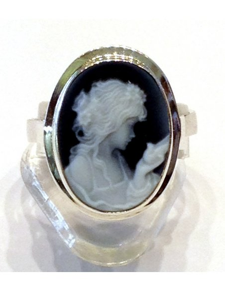 Blue Cameo Ring Lady with Bird