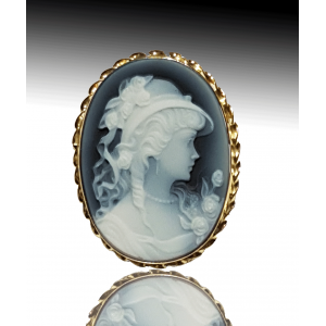 Angelica lady blue cameo brooch gold