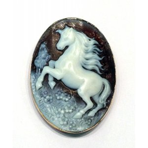Pegasus Horse Shell Engraved Cameo Gold