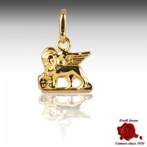Charm Saint Mark Lion in Gold