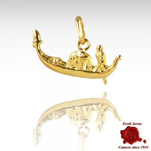 Gondola Shape Charm in Gold