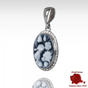 Flower blue cameo necklace
