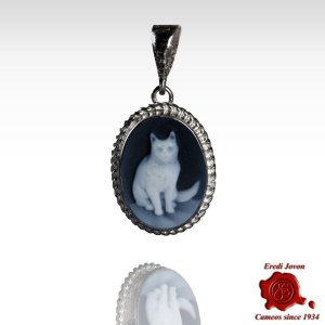 Cat silver blue cameo necklace