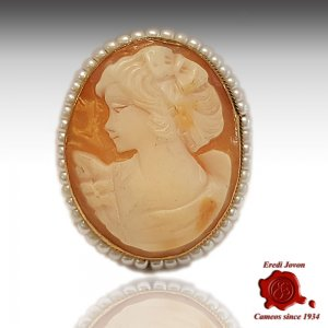 Antique Victorian Cameo Brooch with Pearls