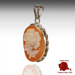 Cameo Rose Flower Shell Necklace