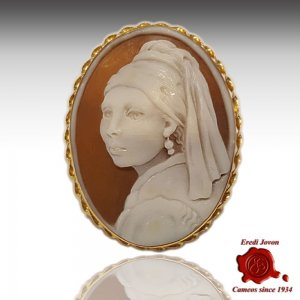 Cameo Girl with a Pearl Earring Gold