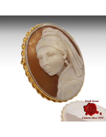 cameo girl with pearl earring