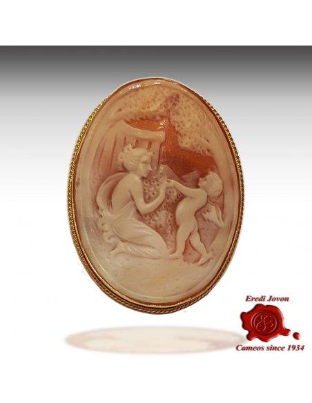 Venus and Cupid Cameo Brooch