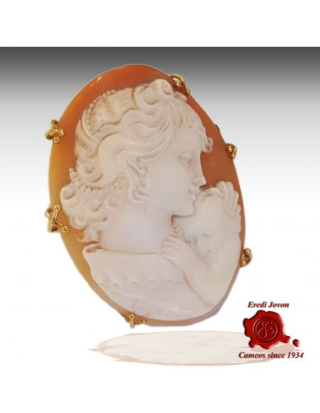 Mother with Child Shell Cameo
