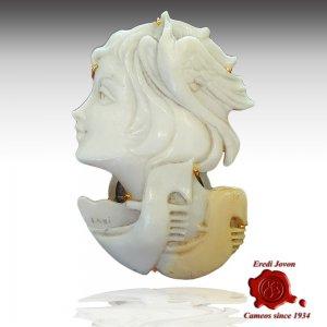 Venice Gondola Shell Cameo Gold