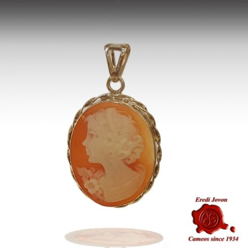 Handcraft Shell Cameo