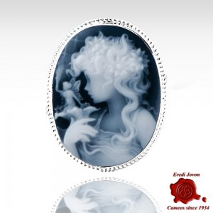 Lady with fairy blue cameo...
