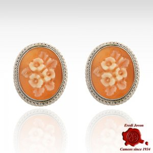 SHELL CAMEO FLOWER STUD EARRINGS