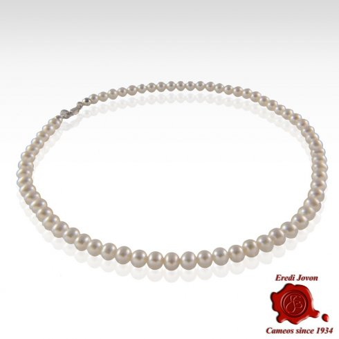 Pearl Chain Gold Clasp