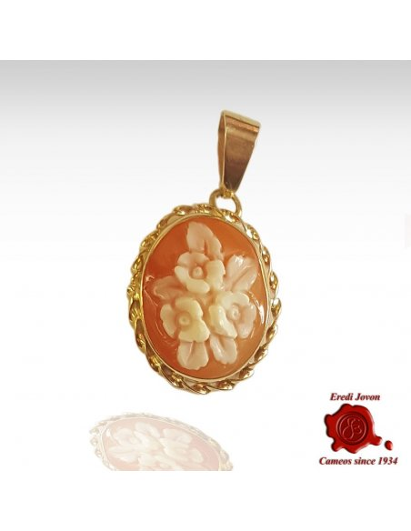 Three Flowers Conch Shell Cameo Pendant | Eredi Jovon Venice