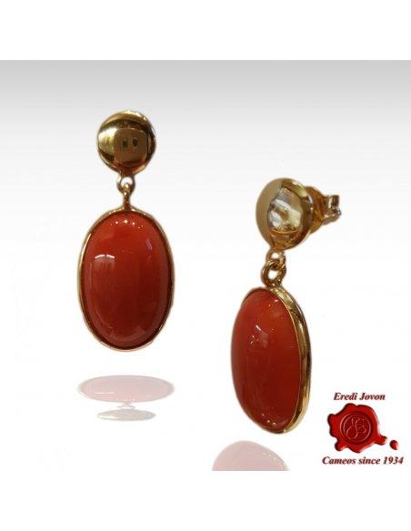 Orecchini in Oro Pendenti con Cabochon Ovale di Corallo Rosso