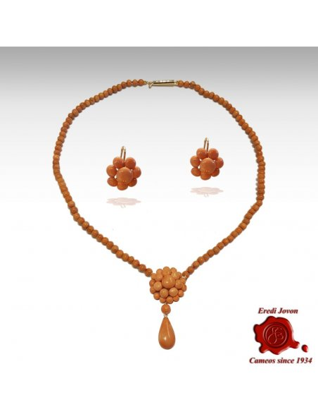 Antique Coral Beads Necklace with Pendant