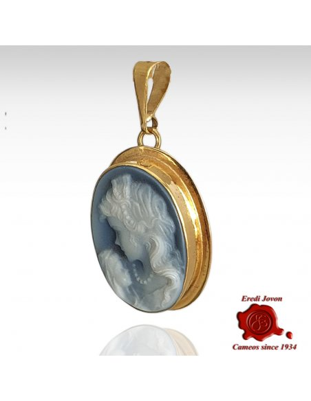 Cameo Mother with Child Set in 18 kt Gold