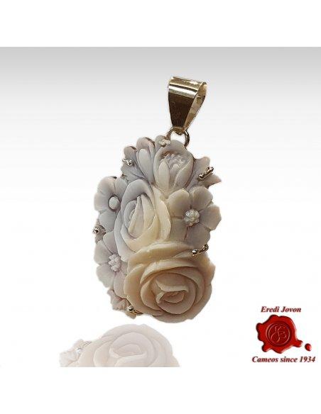 Shell Sardonica cameo flower pendant Sfioccato