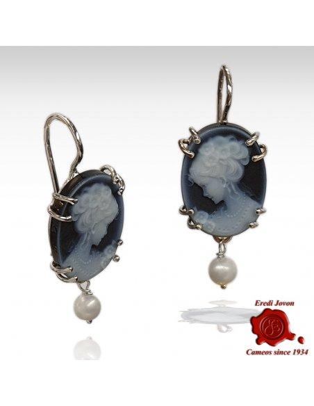 Orecchini cammeo blu con perla