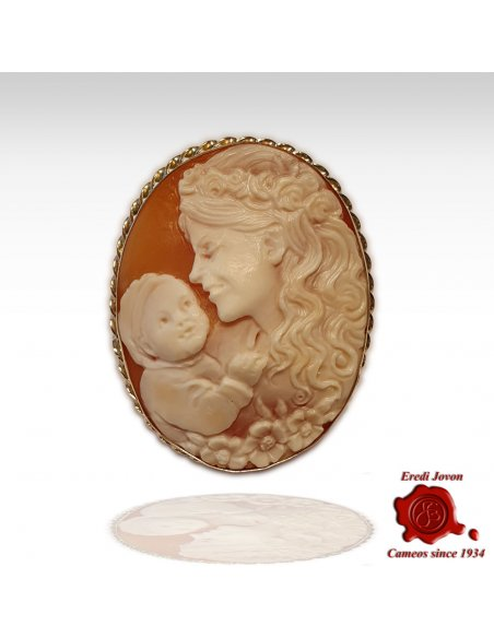 Mother & Child Cameo Brooch in Gold