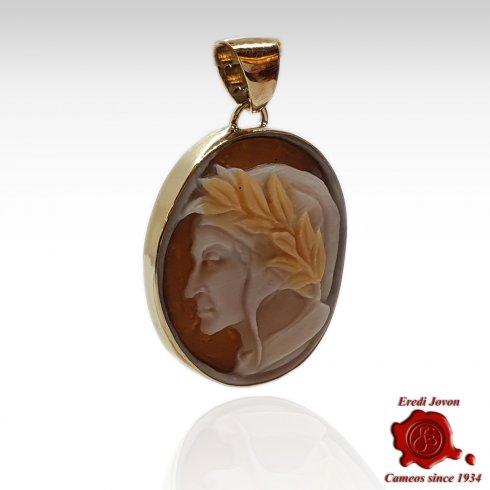 Dante Cameo Pendant in Gold