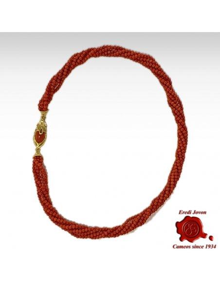 Torciglione Corallo Rosso con Chiusura in Oro stile Bizantino