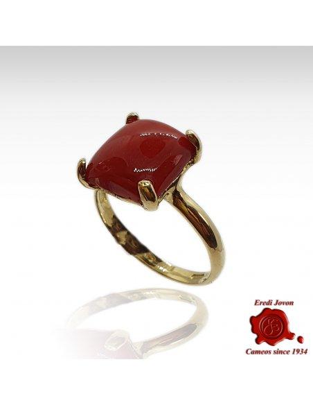 Anello Corallo Rosso Cabochon Quadrato montato in Oro